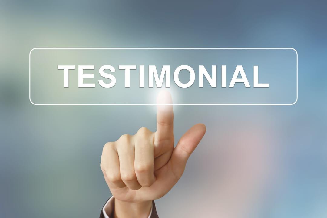 Website bezoeker beinvloeden met testimonials